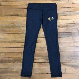 976e89daa25f ... BRAND NEW NWT charcoal Chicago Blackhawks leggings ...